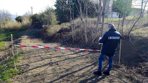 sequestro strada rurale deposito illecito rifiuti loreto aprutino (2)-2