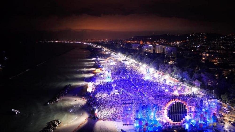 jova beach party montesilvano post facebook jovanotti 2-2-2