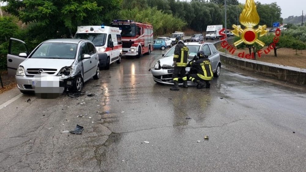 incidente stradale spoltore-2