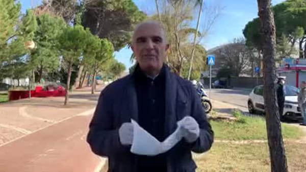 VIDEO | Il sindaco Masci sul lungomare invita i cittadini a evitare corse e passeggiate