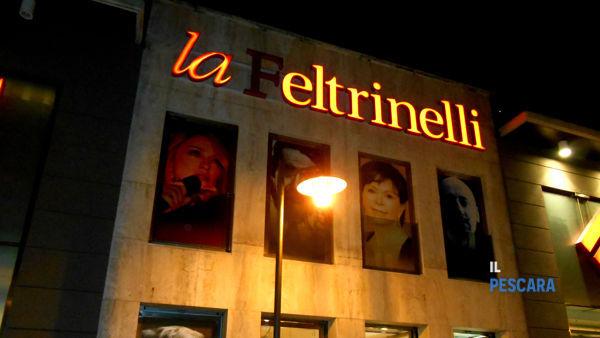 """Presentazione del libro """"Caffè letterario"""" alla Feltrinelli"""