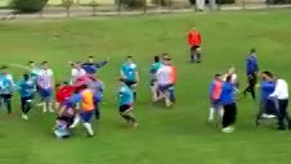 VIDEO   Calcio, rissa in campo dopo la partita Popoli - Real Carsoli