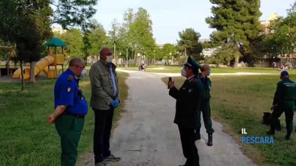 "VIDEO | Diversi pescaresi indisciplinati nei parchi, Santilli e Santurbano (Guardia Ambientale): ""Rispettare le regole"""