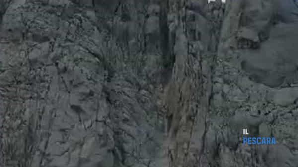 VIDEO | Gran Sasso, salvati alpinisti milanesi: erano bloccati sul Corno Piccolo