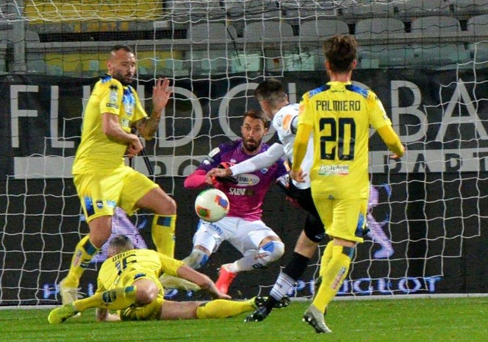 Spezia-Pescara 2-0, brutta sconfitta per i biancazzurri al ...